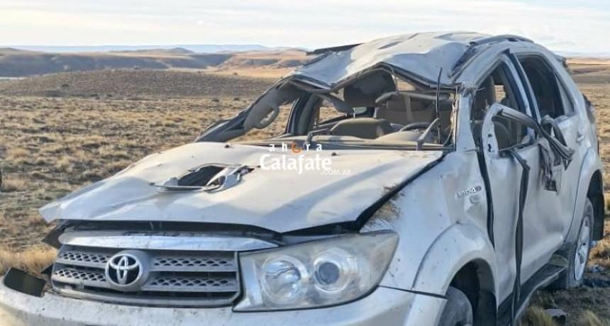 URGENTE. Dos muertos y cinco heridos en un vuelco