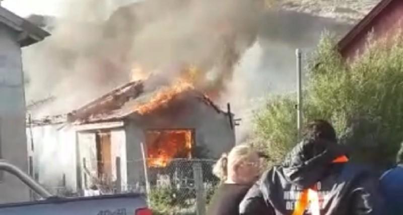 El fuego devastó una casa de familia