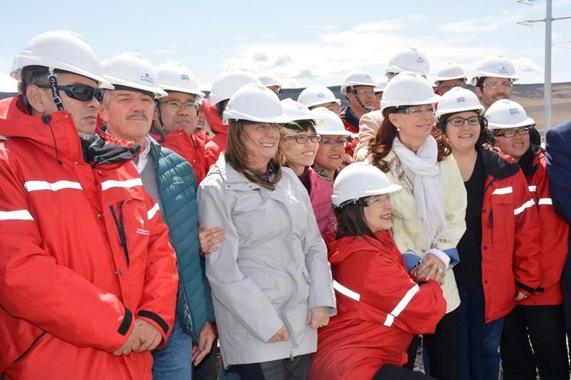 Cristina Fernández y Alicia Kirchner visitaron las obras de la represa
