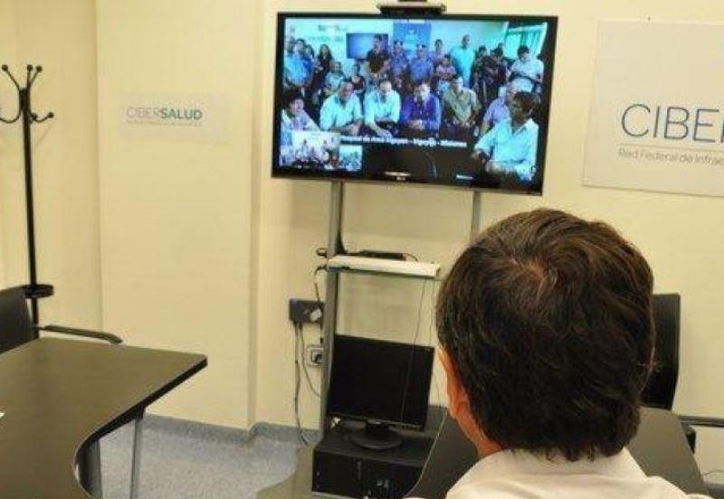 Teleconferencia desde el SAMIC a Latinoamérica.