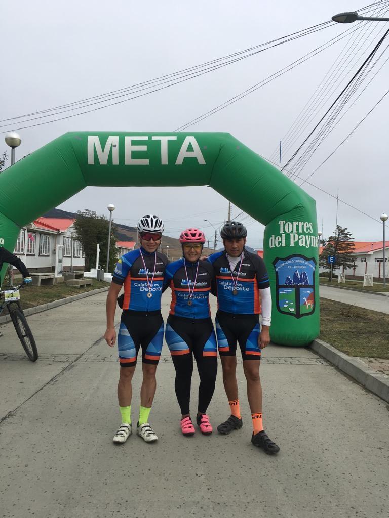 Ciclistas Calafateños en la Ruta Mistraliana de Puerto Natales