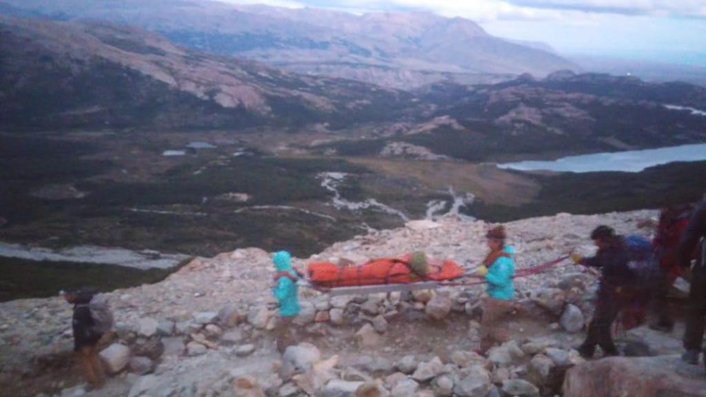 Rescate de turista en la Laguna de los Tres