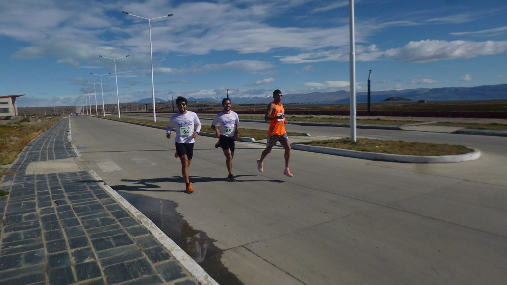 Carla Giménez y Fabián Correa los ganadores de una Media Maratón