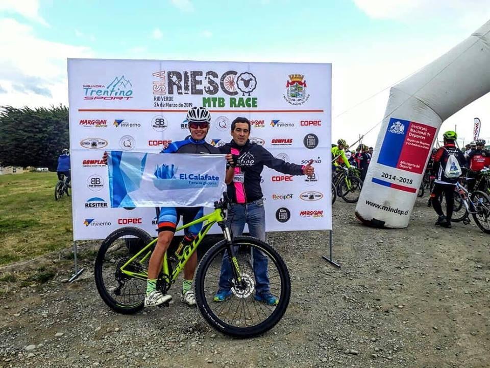 Calafateño en prueba de MTB Race en Isla Riesco