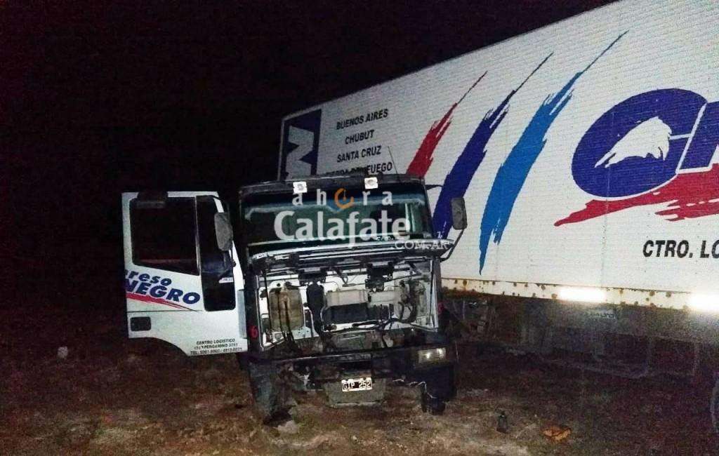 Dos camiones y un guanaco protagonistas de un choque