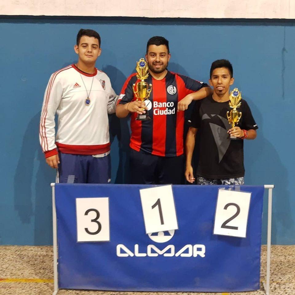 Rodrigo Delgadillo ganó el último torneo antes de parar el tenis de mesa