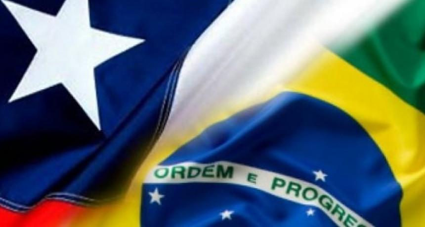 COVID-19. El Gobierno incluyó a Chile y Brasil en la lista de países de riesgo