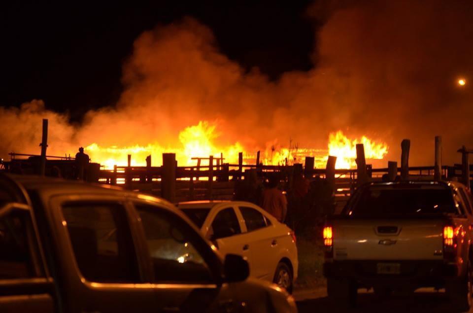 Incendio destruyó caballerizas en El Chaltén