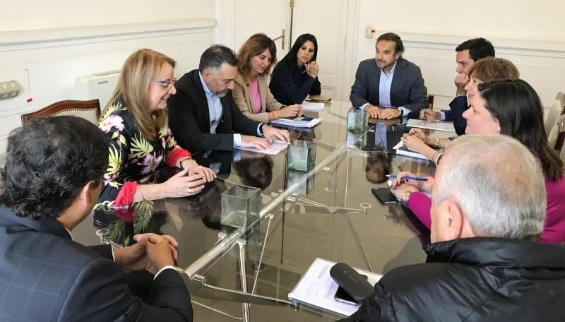 Gobernadora reclamó la pronta apertura de las Zonas Francas