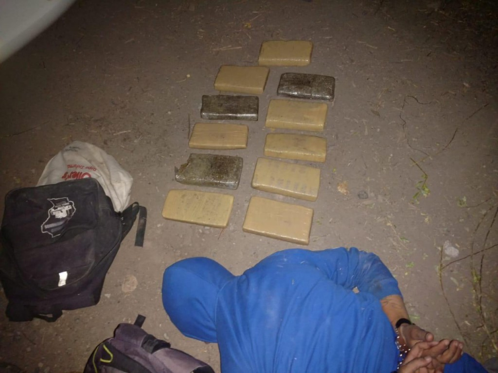 Intentaban pasar 9 kg de droga a Chile