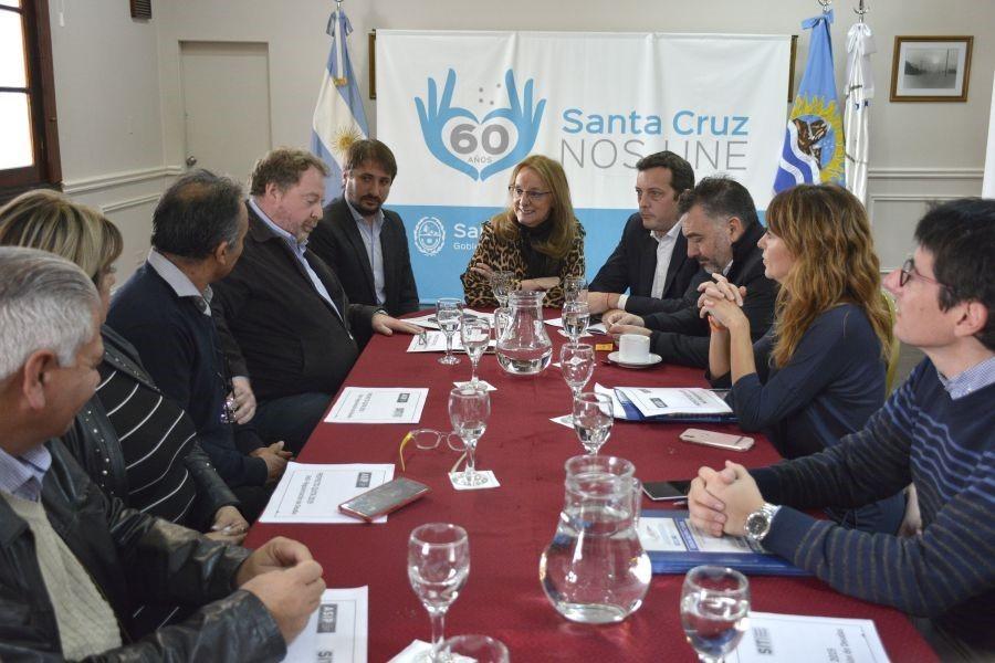 Santa Cruz quita intereses de las deudas que tienen comercios y empresas.