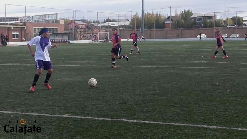 La Liga de Fútbol Suizo Femenino Independiente juega su torneo Apertura