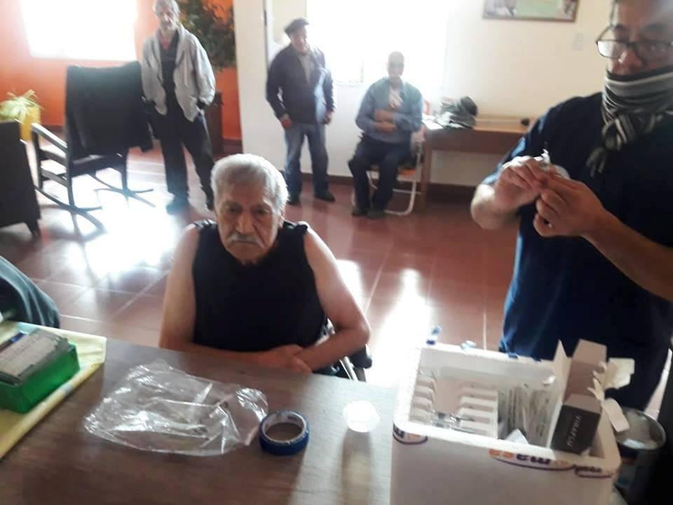 Vacuna antigripal en el Hogar de Ancianos de El Calafate
