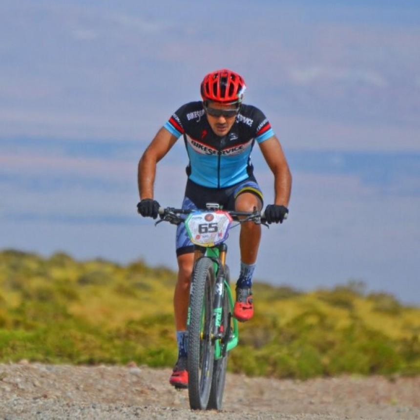 Gran carrera de Facundo Perez Costa en El Atacama Challenger