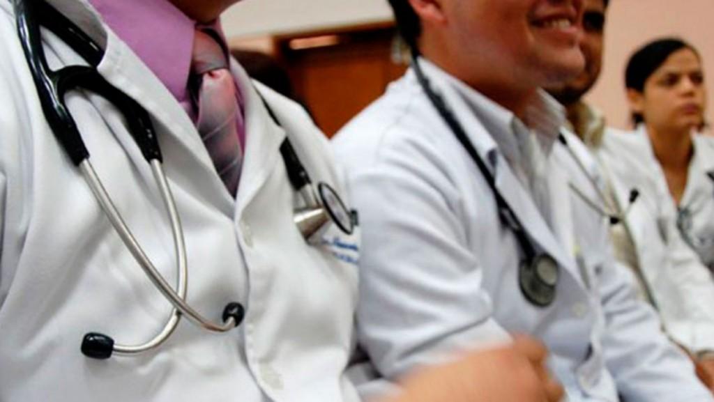 Médicos recién egresados reforzarán el plantel del SAMIC