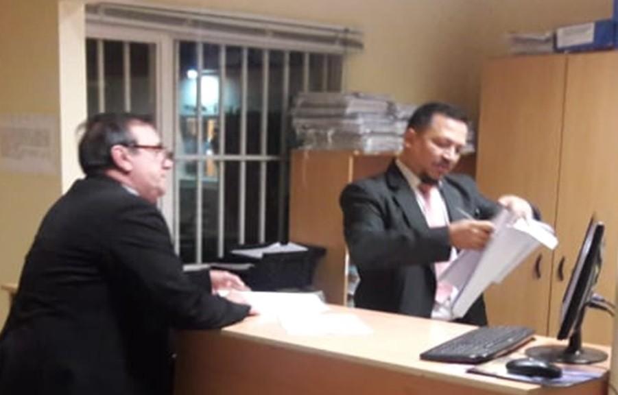Dos amparos contra el decreto que convoca a las elecciones