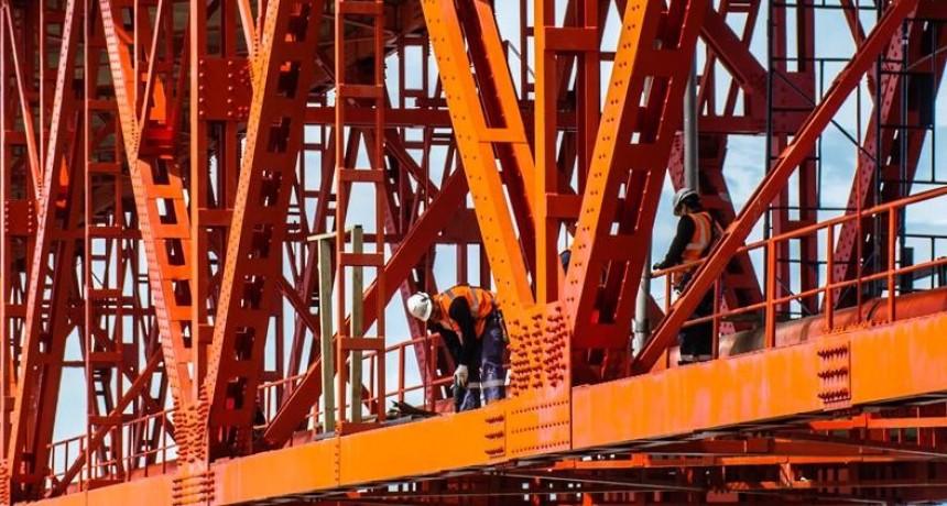 Corte total de circulación en el puente sobre Río Santa Cruz