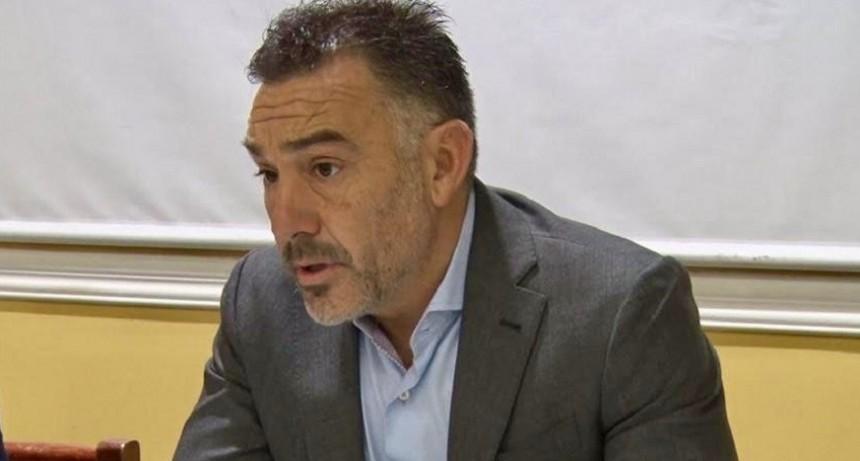 JEFE DE GABINETE BRINDÓ VARIAS NOVEDADES A FM DIMENSION