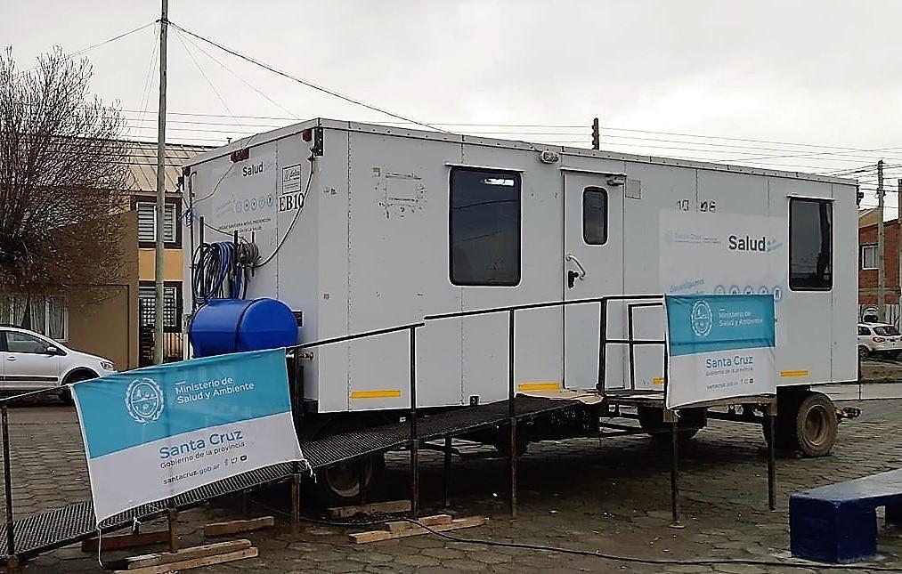Tráiler y un consultorio móvil atienden en El Calafate y El Chalten.