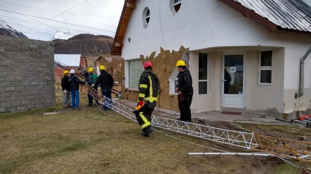 Debieron evacuar edificios municipales por una antena