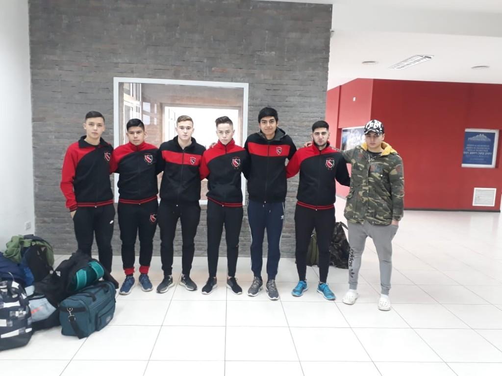 Jugadores de El Calafate en la Pre Araucanía de Fútbol