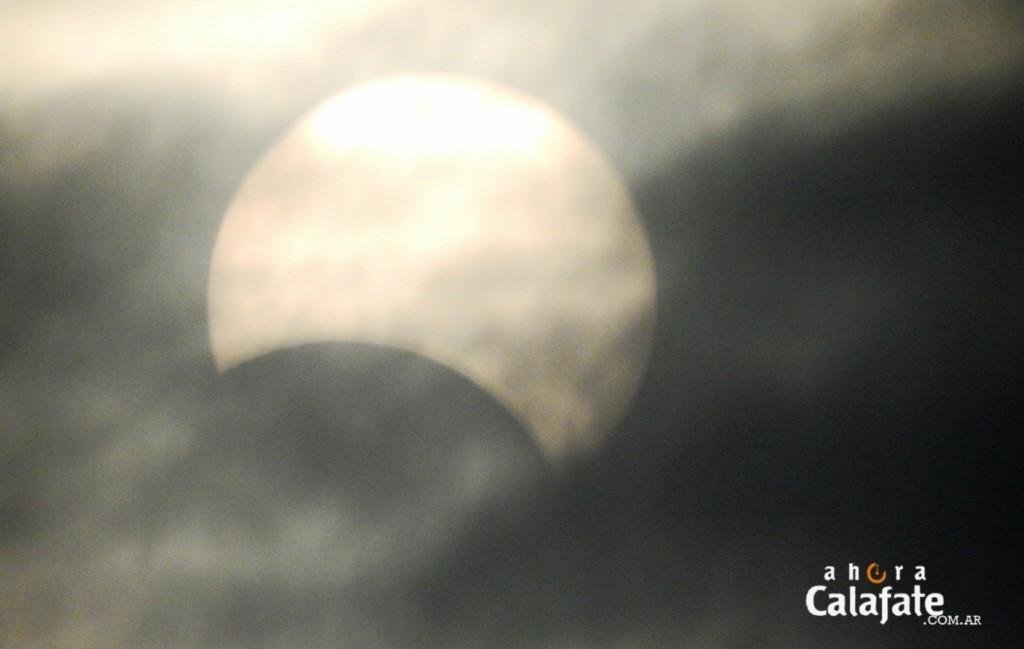 Las nubes taparon el Eclipse en El Calafate