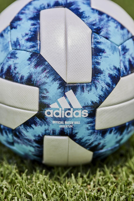 La nueva pelota del fútbol argentino esta inspirada en el glaciar