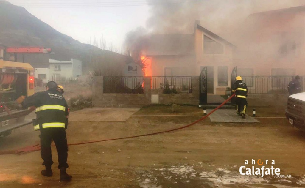 Explosión e incendio alarmó a vecinos