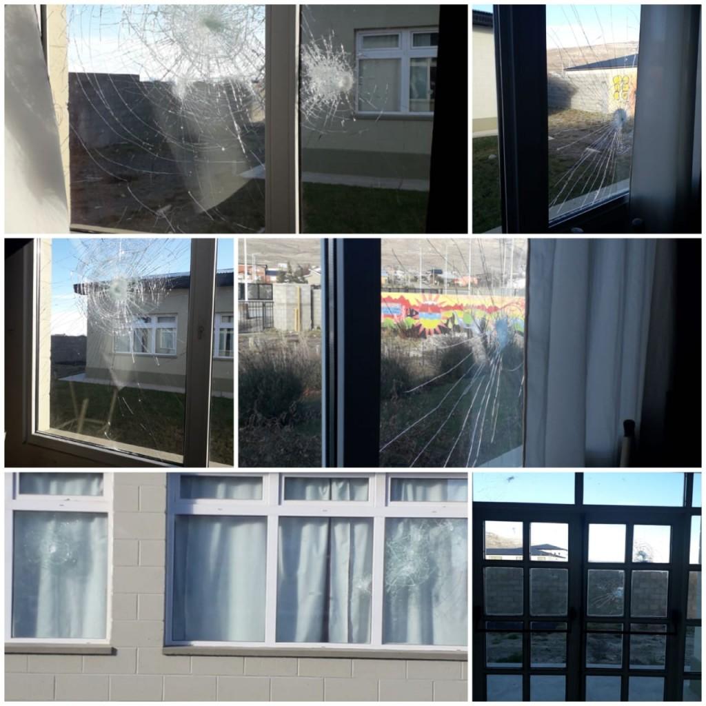 Otra vez destrozaron vidrios en el Secundario 46