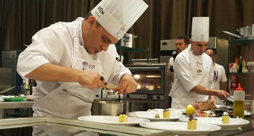 Dos chefs de El Calafate en el 1° Torneo Nacional de Gastronomía Saludable