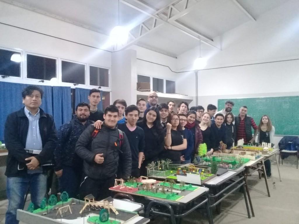 Estudiantes presentaron proyectos para una Plaza