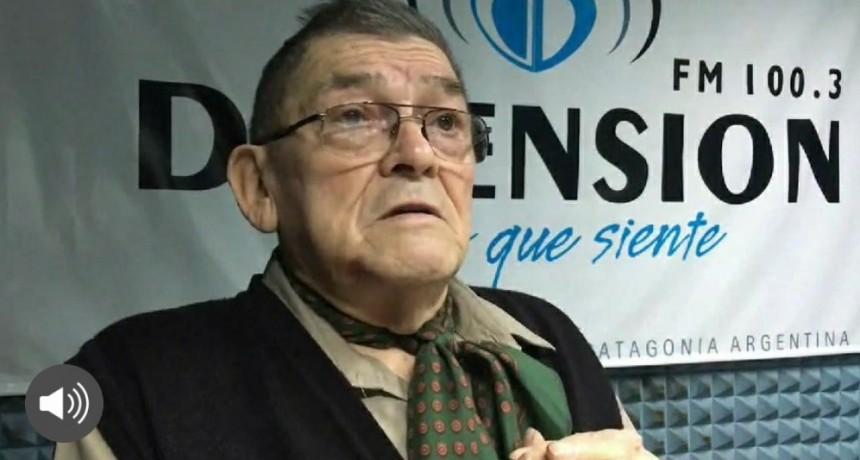 """DIA DEL ESCRITOR. NUNO MANCILLA EVOCÓ AL AMIGO HÉCTOR """"LOBO"""" PEÑA"""