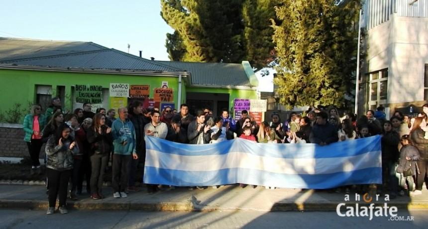 Vuelven los abrazos solidarios a la Escuela Especial