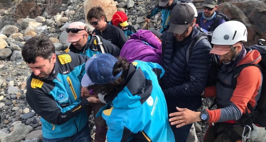Tener un DEA y preparación salvó la vida de un turista