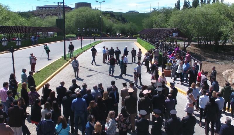El Calafate celebró sus 92 años con inauguración del puente en Avenida del Libertador